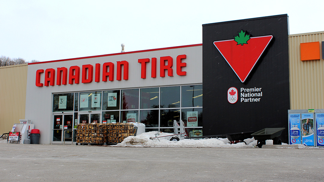 Local Canadian Tire Looking To Repeat As Best Small Christmas Store